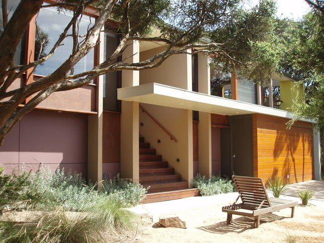 rye beach divorced singles Central rye location peninsula holiday rentals welcomes you to this brilliant home, perched on a substantial block within a 10 minute stroll to the beautiful port phillip bay beaches and township.