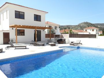 4 bed villa, and Coveted Trip Advisor Certificate Of Excellence Winner