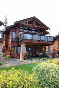 Photo for *NEW* Shuswap lakefront, 2500 square feet, buoy, pool, Carmel Beach Resort