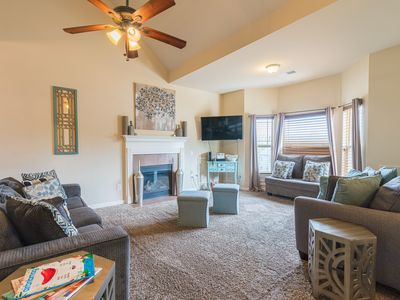 Perfect Metro Atlanta Stay. 12 mins from Airport, close by restaurants /shopping
