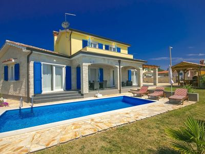 Photo for Holiday house with pool and three bedrooms near Poreč