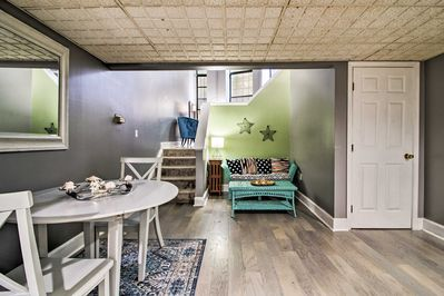 This 1-bedroom, 1-bath apartment can host 2 guests.