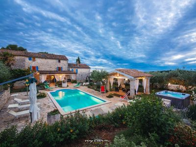 Photo for Charming Istrian stone villa with private pool