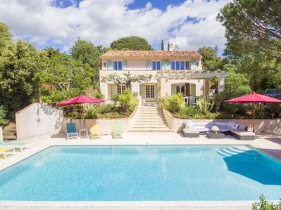 Villa Vallon Gulf of St. Tropez, 10min walk to the beach, amazing garden,  A/C - Grimaud