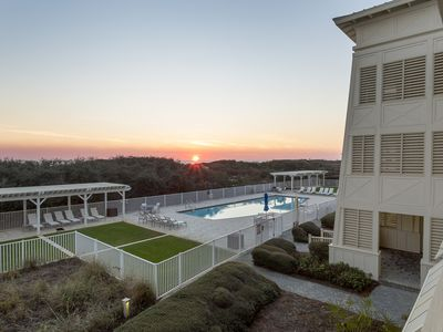 Photo for Gulf Front Condo! Shared Pool! Amazing Sunset Views
