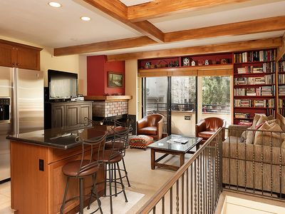 Photo for Beautiful 3 bedroom deluxe townhome. Amazing Aspen Mountain views.  AspTwnEast4