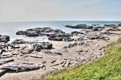 A short walk to tide-pools and beach via the famed 804 trail.