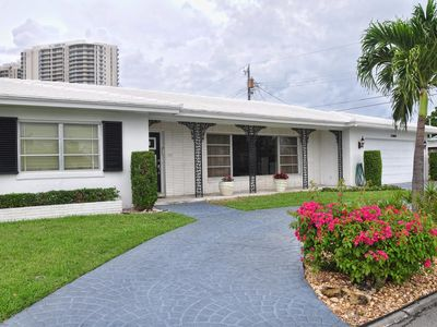 Photo for Villa Singer Island, walk to wonderful beach, bicycle path and more...