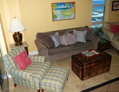 living area has view of Gulf, too