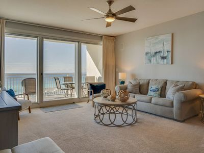Photo for Gorgeous and cozy beachfront condo with shared pool and beach access