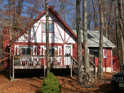 Photo for Coziest chalet in Arrowhead-2 blks to the lake/Beach 4! Family-friendly