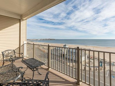 Photo for Oceanfront 2 bed / 2 bath - Perfect location for Smuttynose Road Race!