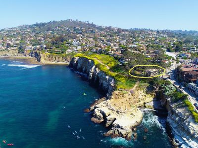 Stay Above the Historic La Jolla Cove with Amazing Ocean Views!
