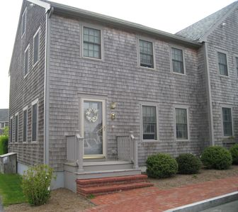 Charming Townhome Near Surfside Beach and Bike Paths