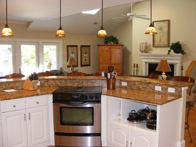 Fully Stocked Kitchen with Granite Counters!