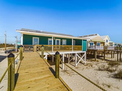 Photo for Oh Me By The Sea - Addorable 3 Bedroom Private Gulf Front Home, Sleeps 8