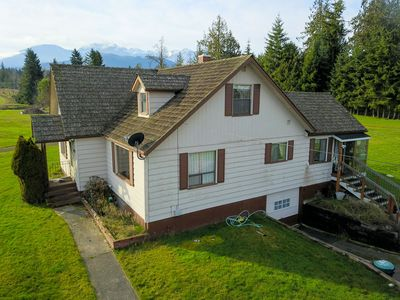 Photo for The Deer Park Farmhouse with Panoramic Olympic Mountain Views
