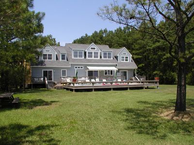 Very Private 2 Acre Waterfront Family Retreat with Pool and Pier