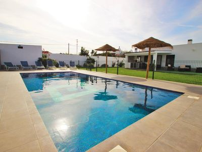 Photo for Private pool, modern and well equipped, WiFi, with barbecue terrace - Casa Jesus -