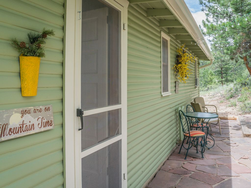 Quiet mountainside cabin backs to the roosevelt national for Glen haven co cabin rentals