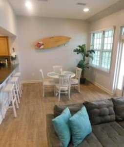 Photo for Island Oasis - Steps away from the Gulf of Mexico!