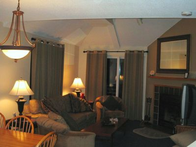 Great Room w/FP, Balcony, Dining for 6 & Q Sleeper