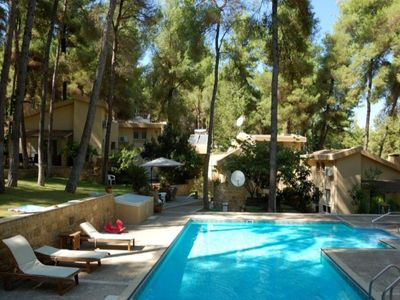 Photo for Lovely villa with swimming pool in the forest