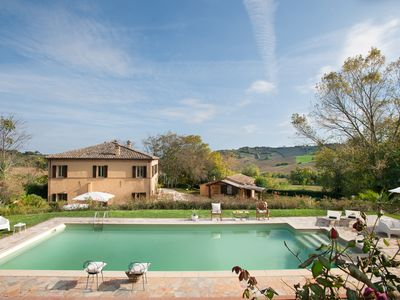 Photo for 5BR Villa Vacation Rental in Fratte Rosa, Marche