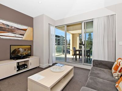 Photo for Apartment at Oaks Plaza Pier, Glenelg Beach