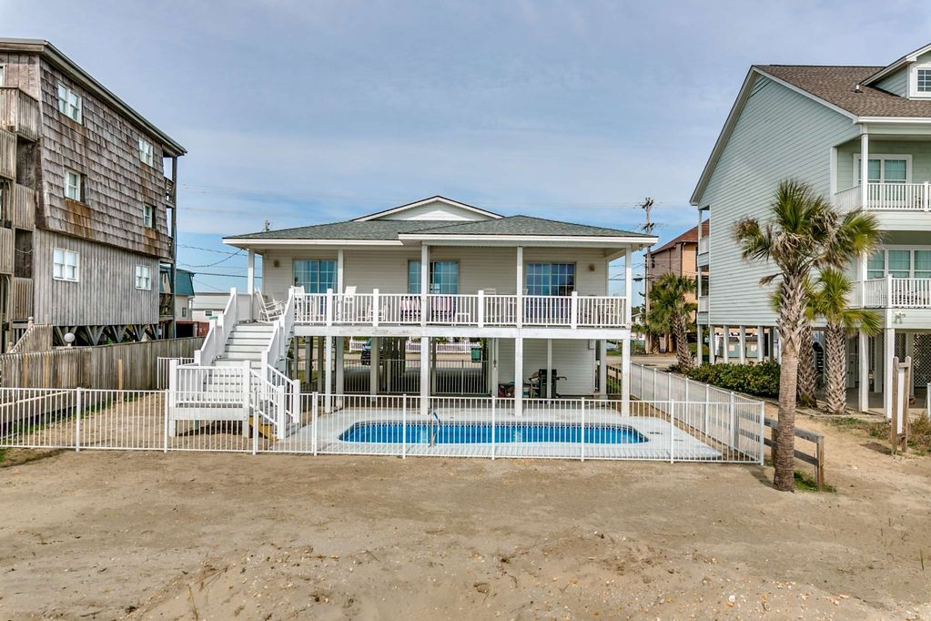 Awesome Lovely Oceanfront Home With Private Pool In One Of Tripadvisors Top 25 Beaches In The Us Cherry Grove Beach Home Interior And Landscaping Oversignezvosmurscom