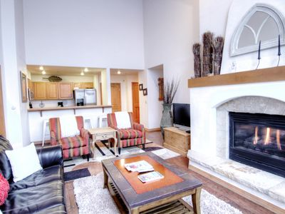 Photo for Elegant Condo in Arrowhead Village Tons of Amenities