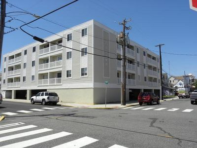 Photo for 2nd FLOOR - Nicely kept condo just steps from the beach, promenade and restaurants.