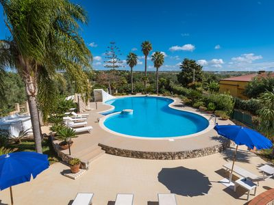 Photo for Villa Oasi, elegant Villa with private pool just 2 km from the sea