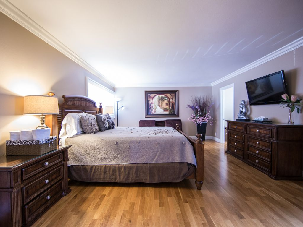 15% off May Stay @ Luxury Heated Pool/Spa Private Home 2 miles to Disney.