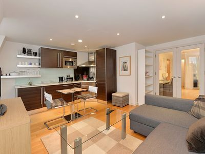 Photo for Bright 2 Bedroom Apartment in Kensington