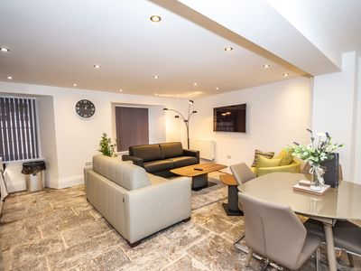 Photo for Luxury 2 bed lower grd floor apartment@Sandringham