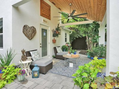 Photo for 425 · ❁Charming Coastal Cottage in the Heart of FTL❁