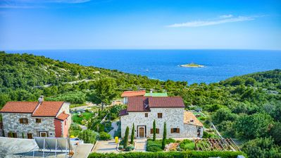 Photo for Luxury villa Mirador with sea view and infinity pool in Hvar town