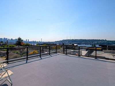 Photo for A-Seattle Urban Village- Lopez- Roof top view deck