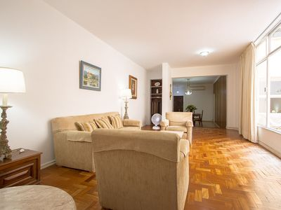 Photo for Cheap in the heart of Ipanema for up to 12 people.