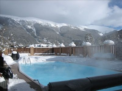 Outdoor Pool - Hot Tub Temperature