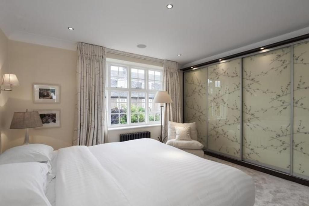 London Home 422, Beautiful 5 Star Holiday Home in a Prime Location in London - Studio Villa, Sleeps 6