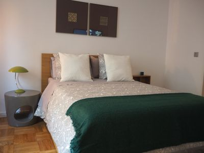 Photo for Great apartment steps from Puerta del Sol - WiFi/Heating/AC A33