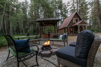 Enjoy an outdoor propane firepit during those comfy summer evening and reconnect