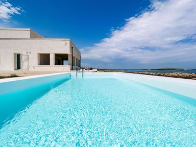Photo for A dreamy house on top of a cliff at sea with private pool