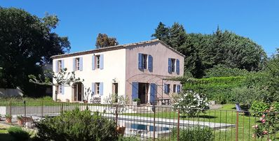 Photo for Charming Provencal house 220m2, large swimming pool, Mediterranean garden