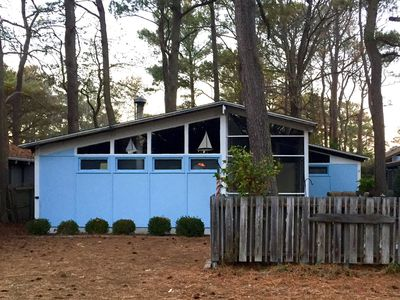 Photo for Perfect Vacation Getaway Cottage, 1-1/2 Blocks from the Beach!