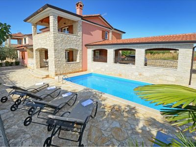 Photo for Modern holiday home with private pool and great terrace !