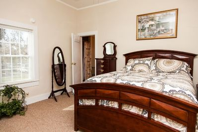 Master bedroom.  Queen size bed w/ a flat screen TV
