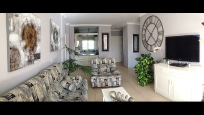 Photo for Stunning 2 bed apartment